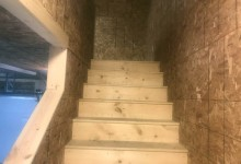 4' staircase with bull nose stair treads